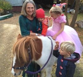 Scilla grandchidern horse healing talk - Version 2